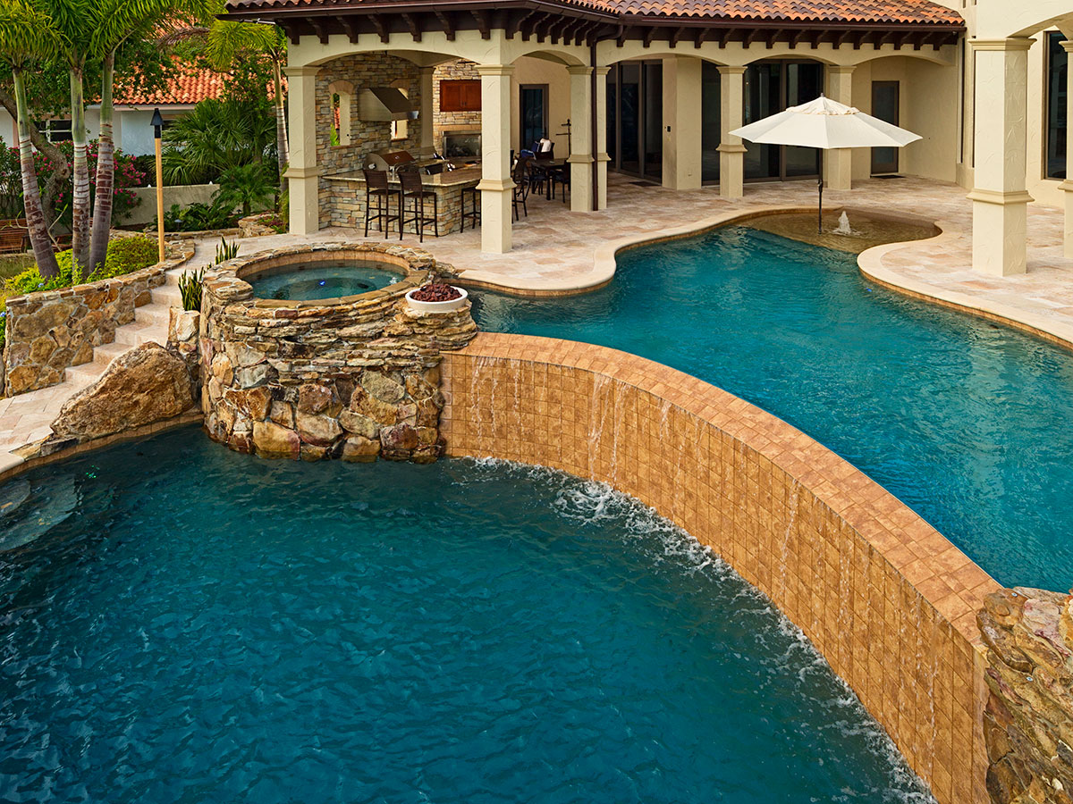swimming-pool-builders-tampa-freeform